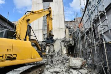 <経過措置終了まで約1年>解体工事業の許可失効にご注意を!